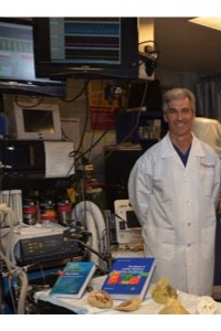 Photo of Paul Iaizzo in a lab