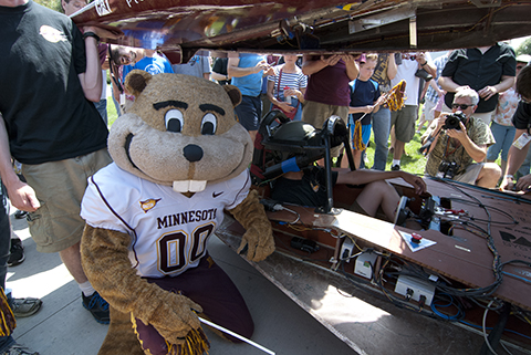 Goldy at Solar Challenge finish line