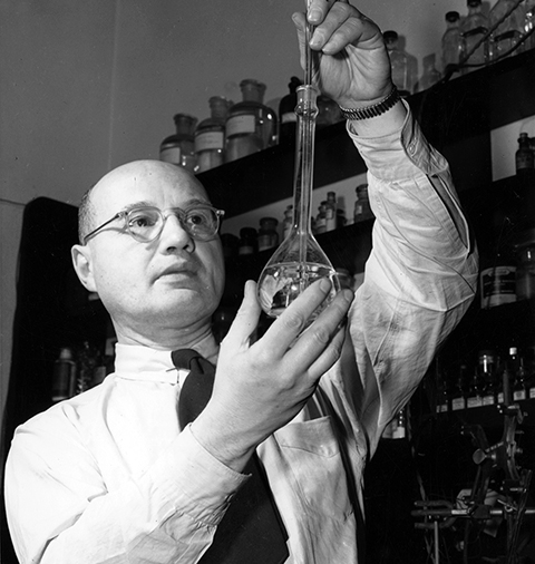Old image of Koltoff in lab